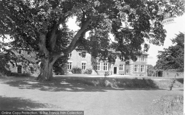 Photo of Weston Rhyn, Moreton Hall c.1950