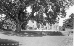 Moreton Hall c.1950, Weston Rhyn