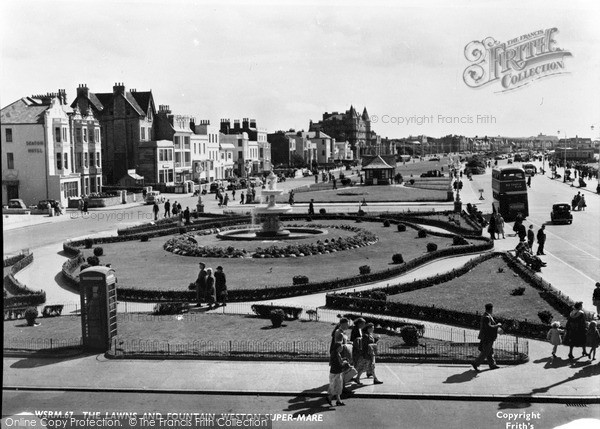 Photo of Weston Super Mare, The Lawns And Fountain c.1950