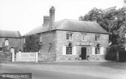 Weston Under Penyard, The Weston Cross Inn c.1965