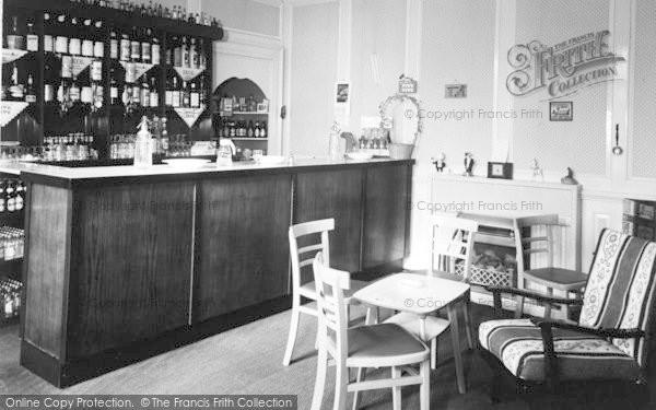 Photo of Weston Under Penyard, The Wye Hotel, The Bar c.1955