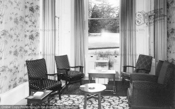 Photo of Weston Under Penyard, The Wye Hotel, The Bar Lounge c.1955
