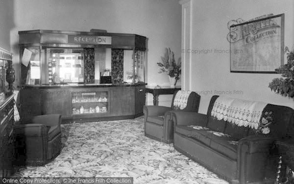 Photo of Weston Under Penyard, The Wye Hotel, The Hall c.1955