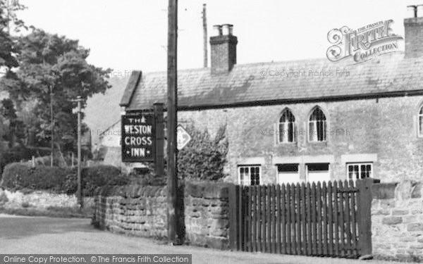 Photo of Weston Under Penyard, Weston Cross Inn c.1955