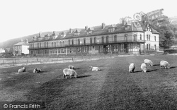 Nelson Terrace 1907, Westward Ho!