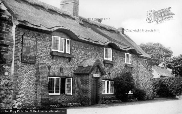 Photo of Weybourne, Gasche's Swiss Restarurant c.1955