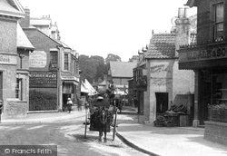 Weybridge, A Trap In Baker Street 1903