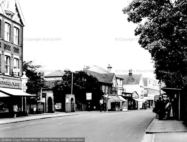 Weybridge, Church Street 1965.  (Neg. w74103)  © Copyright The Francis Frith Collection 2008. http://www.francisfrith.com