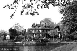 Weybridge, Eyot House Hotel c.1955