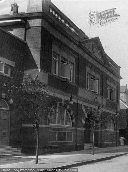 Photo of Weybridge, High Street 1906
