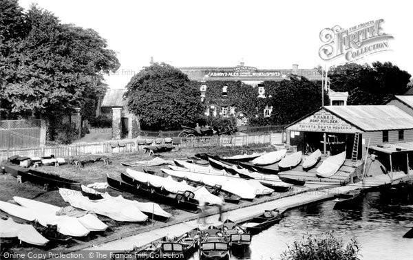 Photo of Weybridge, Lincoln Arms Hotel 1904