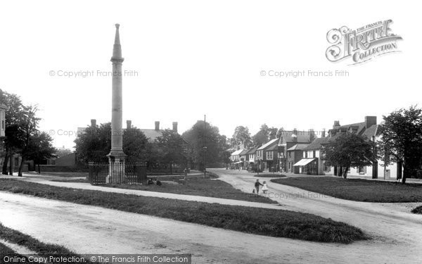 Photo of Weybridge, Monument Green 1897