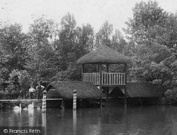 Weybridge, On The River Wey 1904