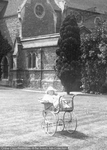 Photo of Weybridge, Pram 1904
