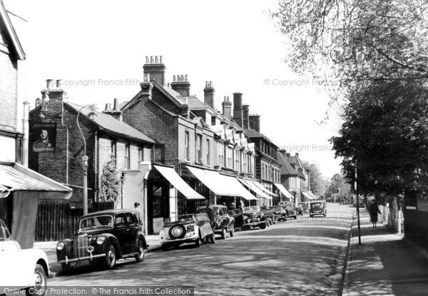 Photo of Weybridge, Queen's Road c.1955