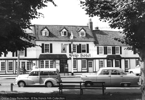 Photo of Weybridge, Ship Hotel c1965, ref. w74090