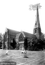 Weybridge, St James' Church 1904