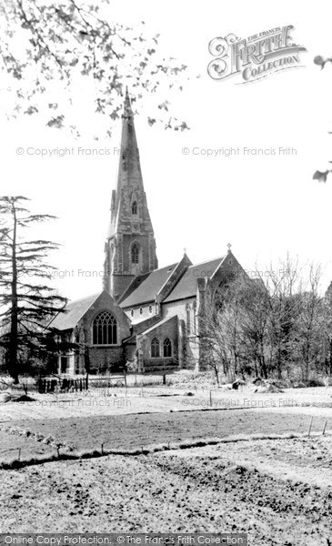 Photo of Weybridge, St James' Church c.1955