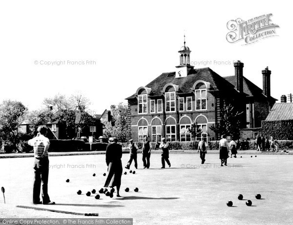 Photo of Weybridge, the Bowling Green and Churchfields Pleasure Gardens c1955, ref. w74034