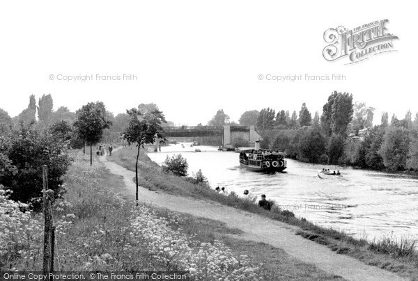 Weybridge, Desborough Channel River Thames River Wey, photo c1955.  (Neg.w74011)  © Copyright The Francis Frith Collection 2008. http://www.francisfrith.com