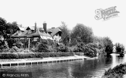 Weybridge, The Eyot 1903