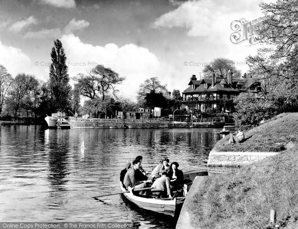 Photo of Weybridge, the Ferry c1960, ref. w74054