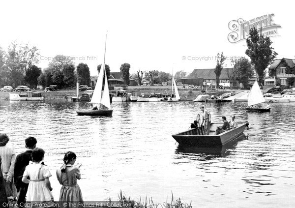 Photo of Weybridge, The Ferry, Shepperton Lock c.1955