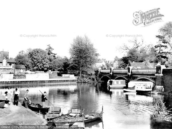 Photo of Weybridge, The Old Bridge c.1955