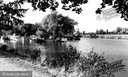 Weybridge, The River c.1955
