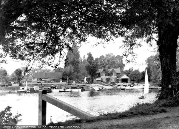 Weybridge, the River Thames c1955.  (Neg. w74008)  © Copyright The Francis Frith Collection 2008. http://www.francisfrith.com