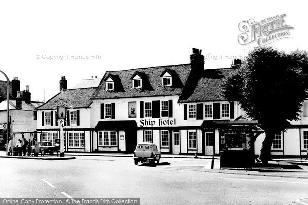 Weybridge, the Ship Hotel c1965.  (Neg. w74092)  © Copyright The Francis Frith Collection 2008. http://www.francisfrith.com