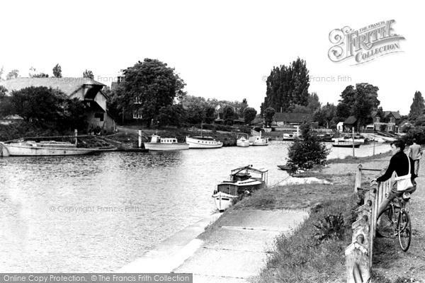 Photo of Weybridge, the Thames c1955, ref. w74006