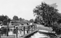 Weybridge, The Weir On The Wey Navigation c.1960