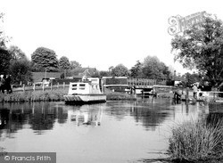 Weybridge, The Wey Navigation c.1955