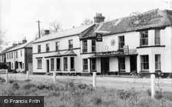 The Star Inn And Post Office Stores c.1950, Weyhill