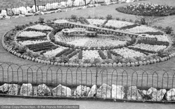 Photo of Weymouth, Floral Clock, Greenhill c.1955