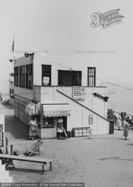 Photo of Weymouth, Harbour Café c.1955