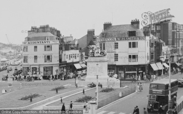 Photo of Weymouth, The Promenade, King George III Statue c.1955