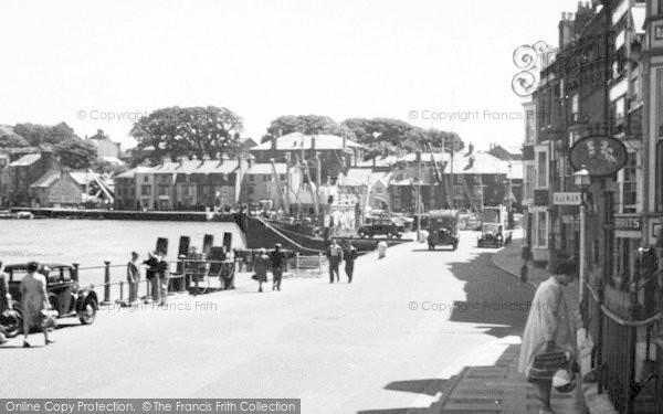 Photo of Weymouth, West Parade c.1950