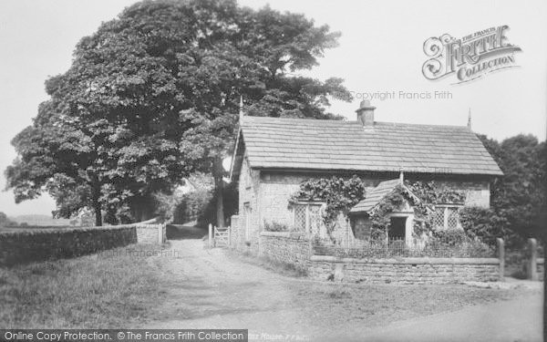 Photo of Whalley, Cross House 1906