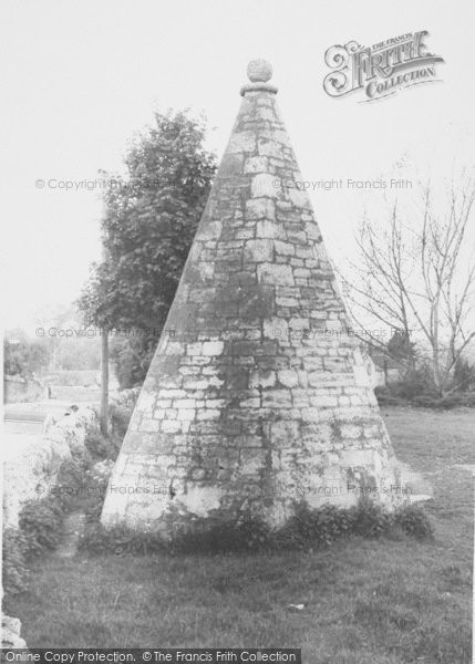 Photo of Wheatley, The Round House c.1965