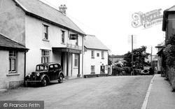Wheddon Cross, Rest And Be Thankful Hotel c.1950