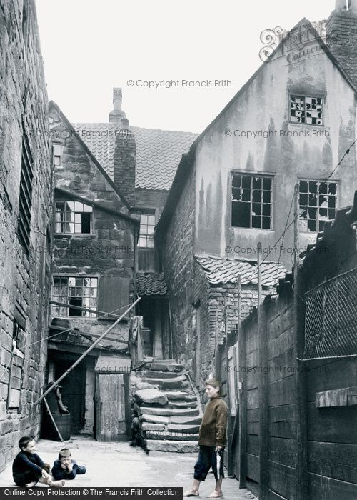 Photo of Whitby, Arguments Yard 1913