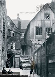 Whitby, Arguments Yard 1913