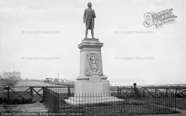 Photo of Whitby, Captain Cook's Monument 1913