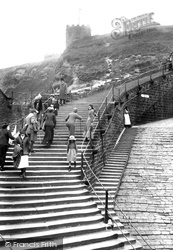 Whitby, Church Steps 1913
