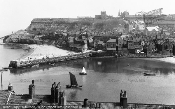Photo of Whitby, East Cliff 1913