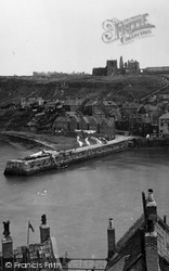 Whitby, East Cliff 1932
