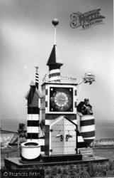 Whitby, Guinness Clock c.1955