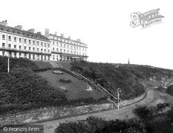 Whitby, Khyber Pass And Royal Hotel 1925